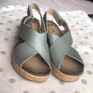 Clark's Collection Strappy grey wedge